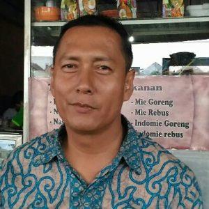Dian Fadillah, S.Sos Pemerhati Jalan-Jalan Sekretaris FK-PKBM Kota Tanjungpinang Prov Kepri