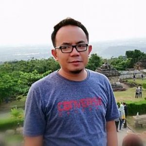Robby Patria (Mahasiswa program doktor University Tun Hussein Onn Malaysia. Pengamat Politik Tanjungpinang)