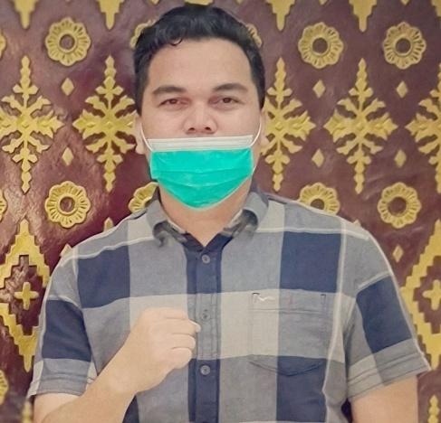 Wakil Ketua Pansus Penyusunan Tatib Pemilihan Wakil Walikota Tanjungpinang Momon Faulanda Adinata SE