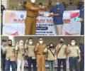 Peringati HPN, Wartawan Bersama Kominfo Bintan Bagi Masker ke Masyarakat